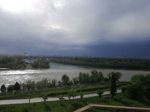 Tmurno nebo nad Beogradom