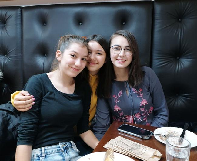 Marijana, Ana i Rahela