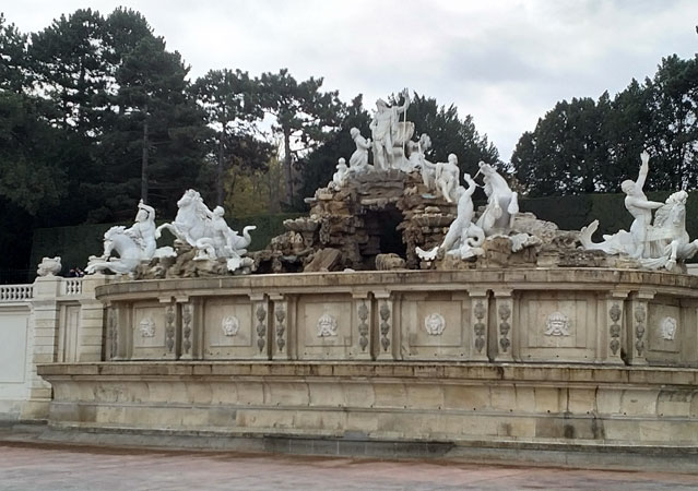 Fontana i spomenik